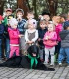 Mokėsi pagarbiai elgtis su šunimi
